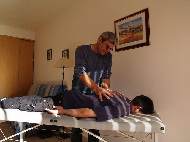 M. DUSAPIN magnetise un patient